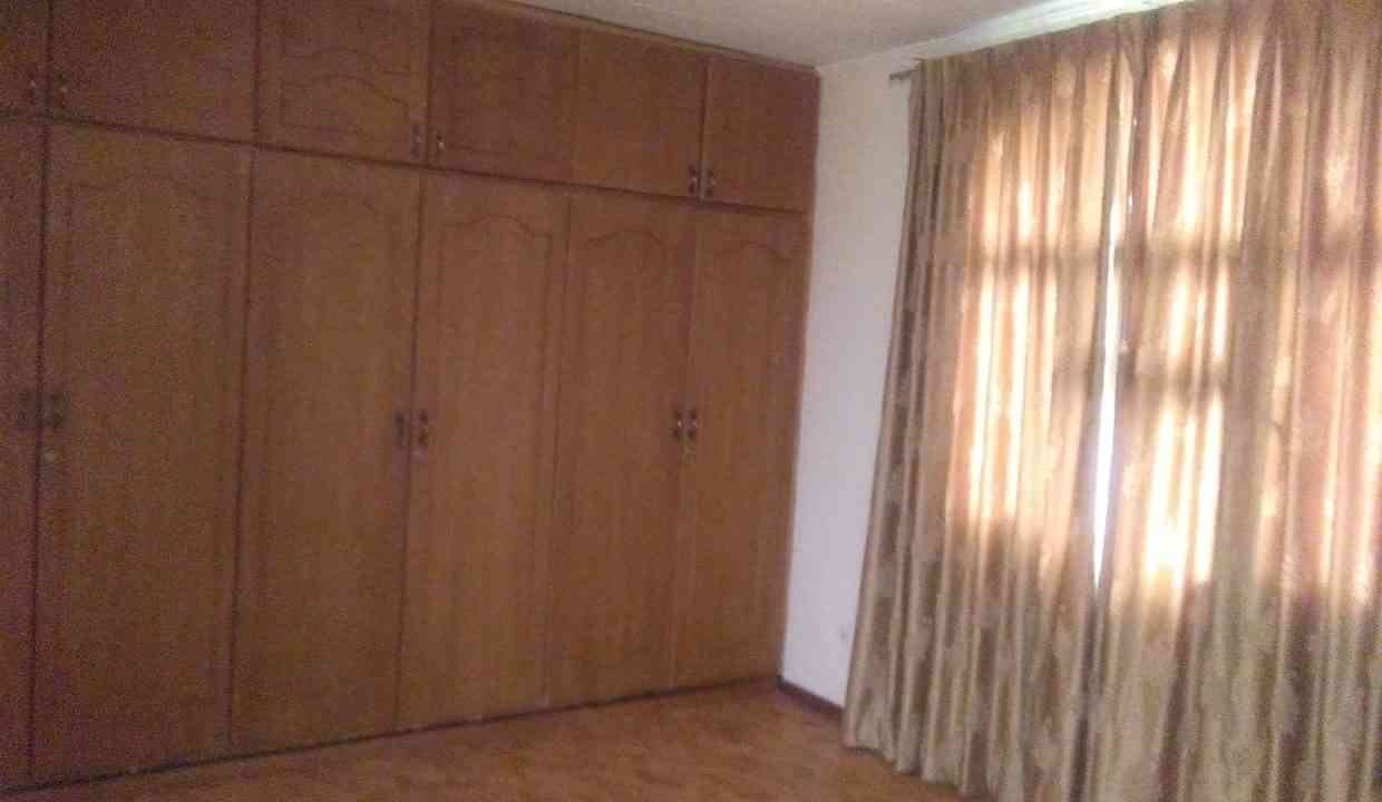 Ayat zone2 rd18 for rent 1500USD yeshi 0911697579 20170722_124106