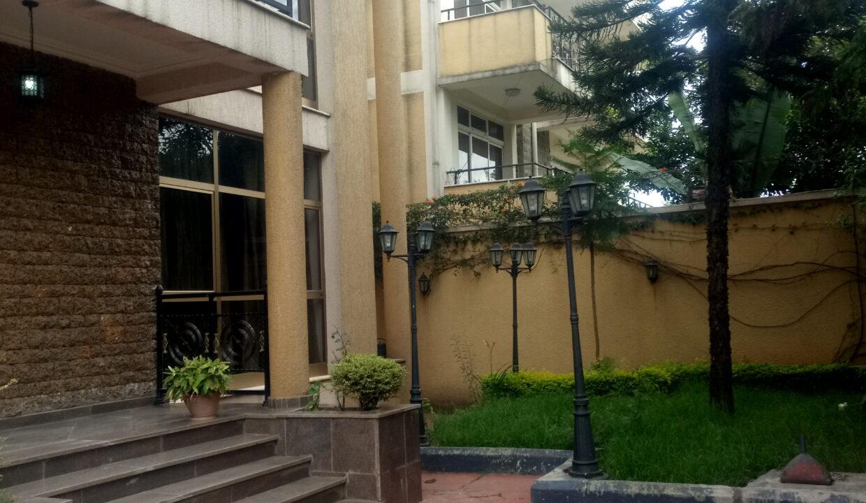 Bole Shala የሰኢድ 4000 USD For Rent 30m birr for sale 410sqm  20191011_130227