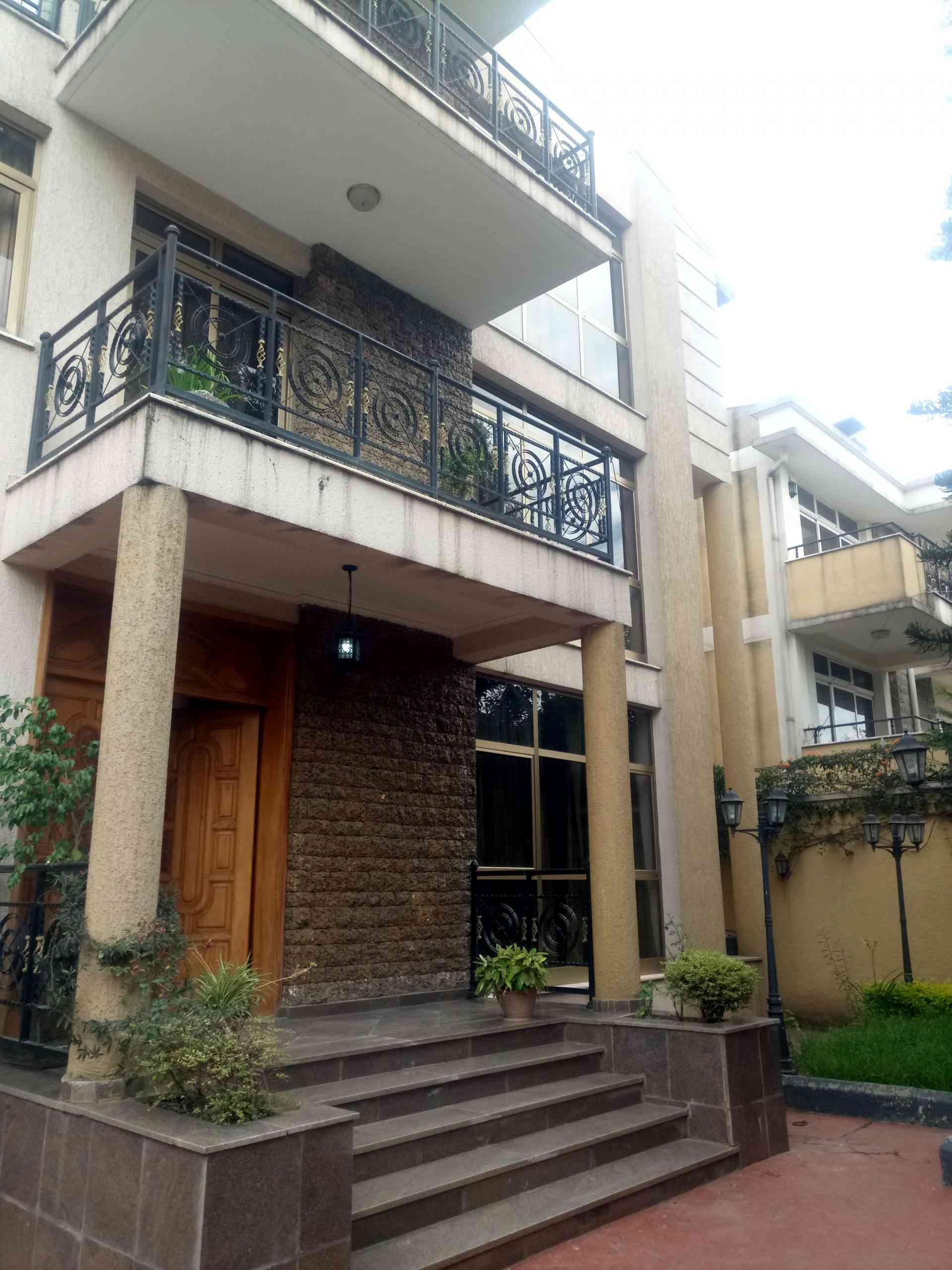 7 Bedroom House For Sale In Addis Ababa-Bole