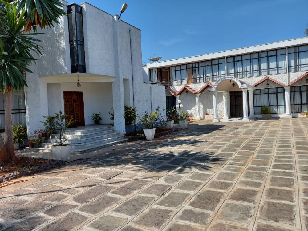 5 Bedroom House in Addis Ababa, Old Airport