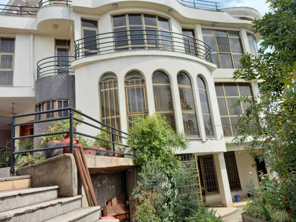 5 Bedroom House For Sale in Addis Ababa, Old Airport