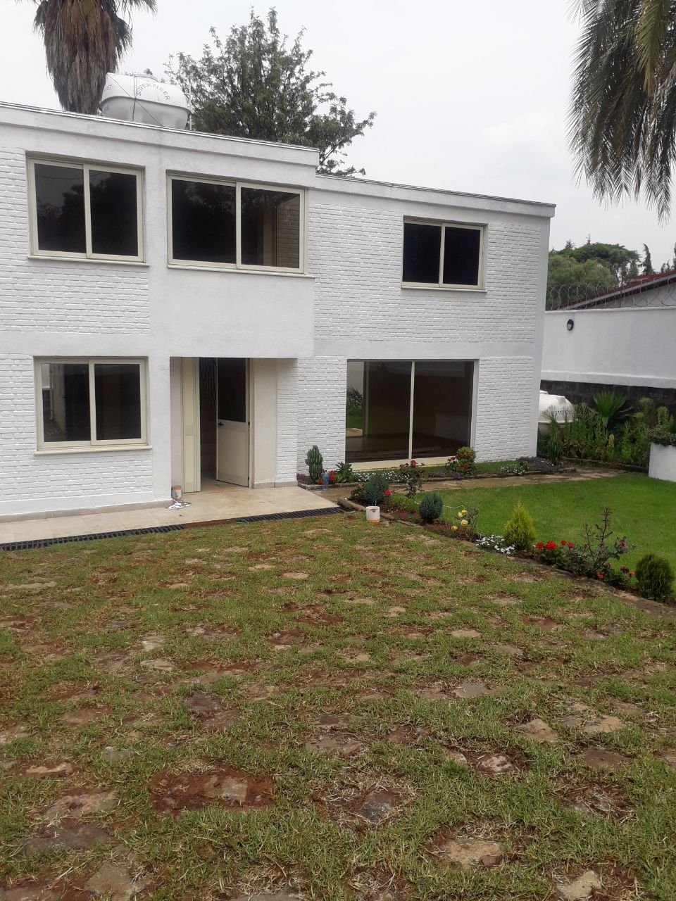 G+1 White House For Rent At Bole