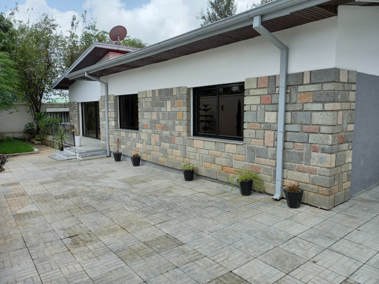 3 Bedroom Villa For Rent In Addis Ababa, At Old Airport